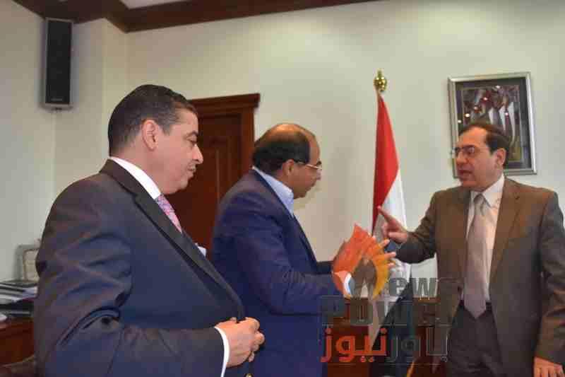عادل البهنساوى يكتب : سيدى الوزير  ... انتبه قد تأتيك المصيبة من بلد شهداء البترول !!