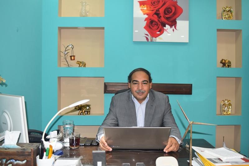 عادل البهنساوى يكتب : السماسرة الانجليز يحتكرون معارض الطاقة المصرية !!