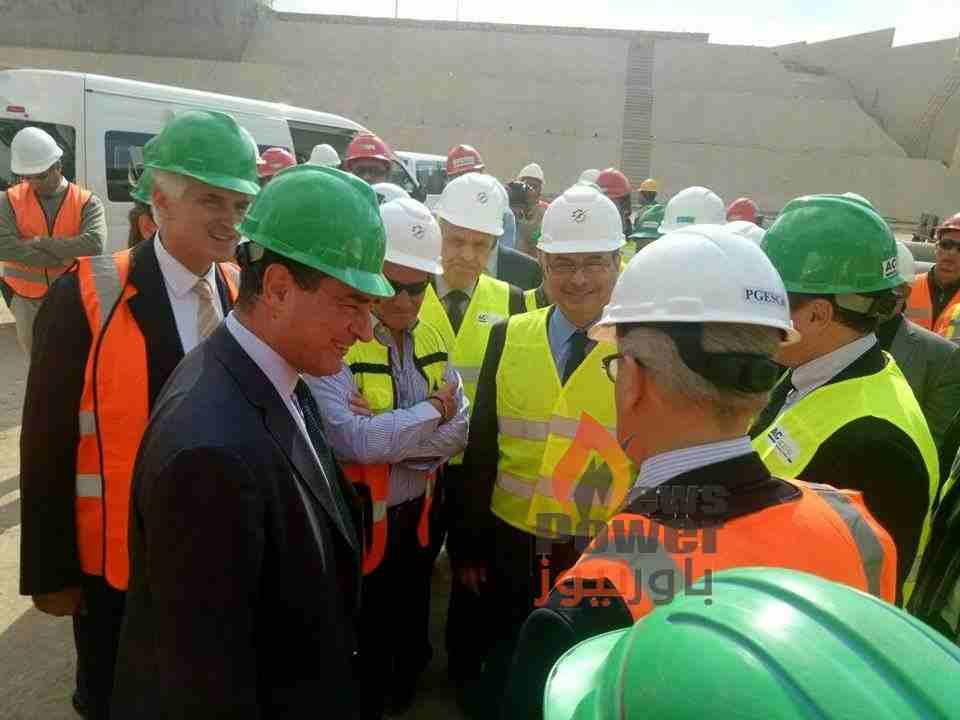 دسوقى والسفير الايطالى يثنيان علي أداء كهروميكا خلال زيارتهما اليوم لمحطة كهرباء جنوب حلوان