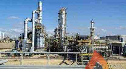 عاجل .. لجنة البت العليا بهيئة البترول تقر مشروع التعاقد مع