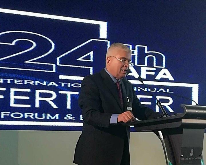 رئيس شركة أبو قير للأسمدة يوجة رسالة للعاملين بعد انتهاء عمرة مصنع أبو قير 3
