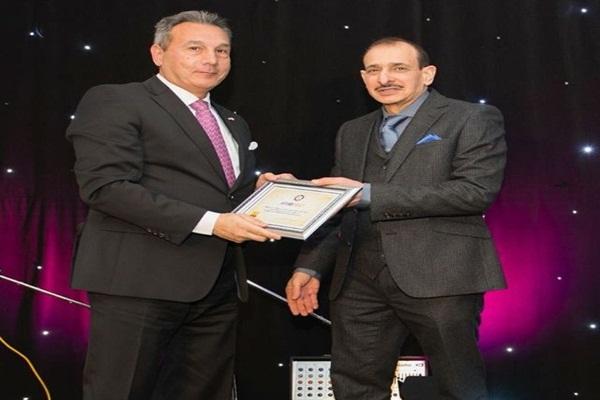 تكريم رئيس بنك مصر محمد الاتربى ضمن أفضل مائة رئيس تنفيذي عربي لعام 2017