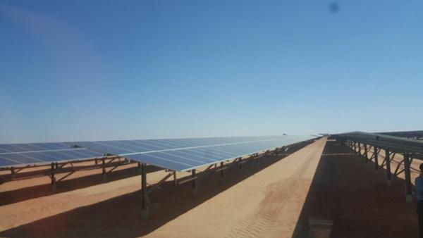 وزير الكهرباء :الرئيس السيسى يفتتح اكبر مجمع للطاقة الشمسية فى العالم العام المقبل