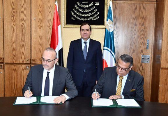 وزير البترول يشهد توقيع عقد رخصة إنشاء مصنع البروبيلين الجديد بمشروع مجمع سيدبك بالأسكندرية