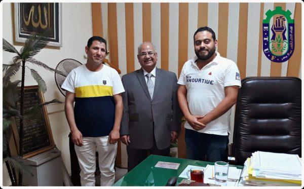 وفد من العاملين بمنطقة كهرباء الاسكندرية يلتقى عادل نظمى للوصول الى حل بشأن نسبة الخصم الخاصة بصندوق الرعاية البالغة ٨%
