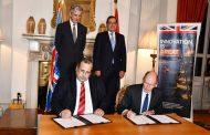 بحضور وزير البترول والسفير البريطاني .. اتفاقية تعاون بين انبي وود البريطانية لاقامة شراكة فنية وهندسية ونقل تكنولوجيا استكشاف الغاز الطبيعى