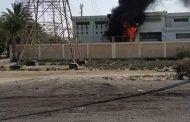 صور لاشتعال النيران بمحطة محولات قرية عامر بالسويس