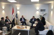الملا يبحث مع مساعد وزير الطاقة الامريكية تعزيز الشراكة فى البترول والغاز ويشيد بأداء اباتشى فى مصر