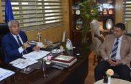 محافظ أسوان يلتقى برئيس مجلس إدارة شركة غاز مصر