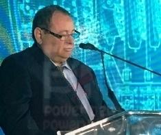 المهندس محمد سطوحي يستعرض امام نائب وزير الكهرباء مستوي اداء شركة البحيرة لتوزيع الكهرباء في مجال تأمين التغذيةالكهربائية
