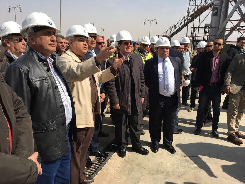 تاكيدا لانفراد باور نيوز..وزير البترول يتفقد مشروع توسعات تخزين البوتاجاز بسوهاج