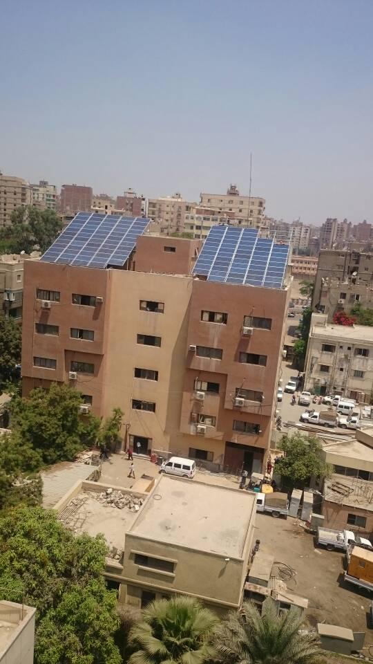 باور نيوز يرصد بالصور ..محطات طاقة شمسية على أسطح ادارات
