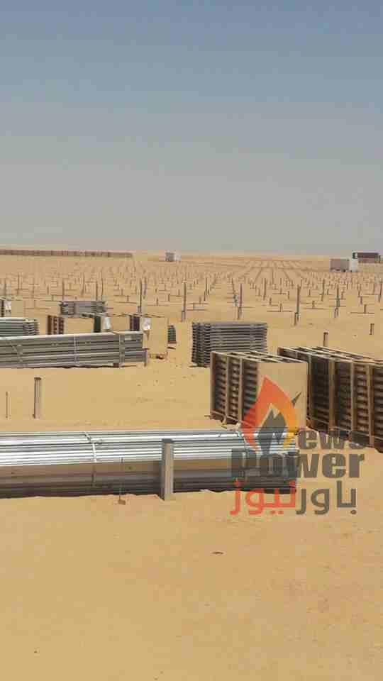 صور خاصة : باور نيوز ترصد وصول اولى الهياكل الحديدية لمحطة الطاقة الشمسية بشركة انفنيتى 50 بموقع بنبان