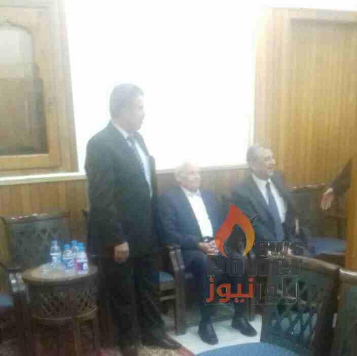 الان .. وزير الكهرباء والدكتور حسن يونس يؤديان واجب العزاء فى وفاة الدكتور صلاح السبكى