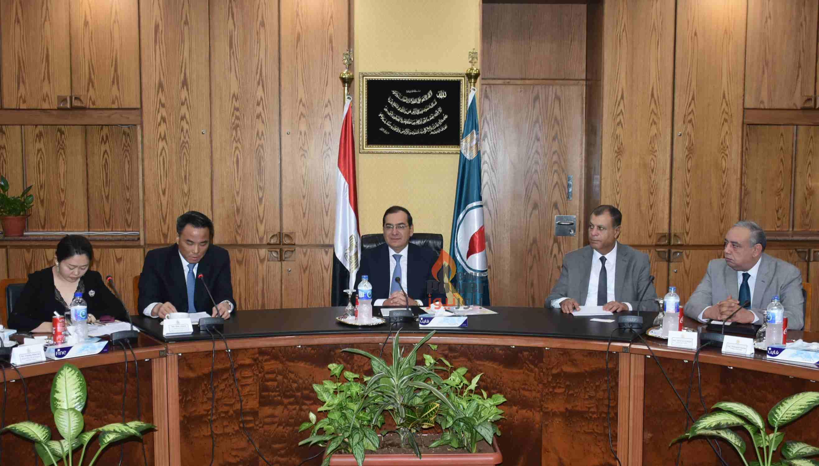 خلال لقاءه بوزير البترول : رئيس سينوبك الصينية يبدى اهتمام الشركة بالتوسع في استثماراتها في مصر