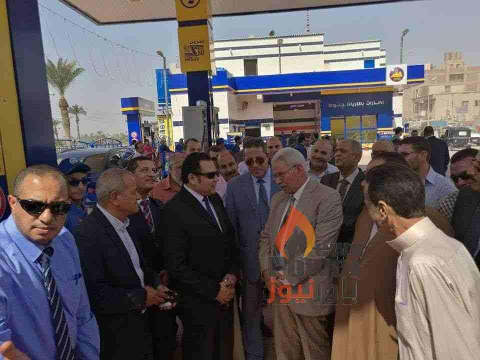 بالصور .. رئيس مصر للبترول وقيادات الشركة يفتتحون محطة الصف بالجيزة