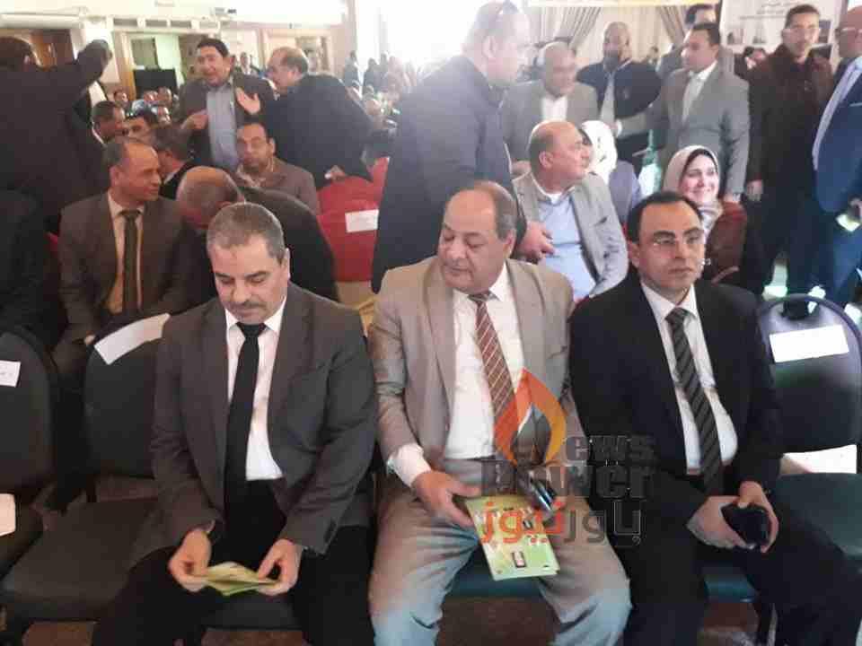شاكر يستعرض مع فودة وشمعة وسطوحي تطورات الاداء بشركات مصر الوسطي والعليا والبحيرة للتوزيع السبت المقبل