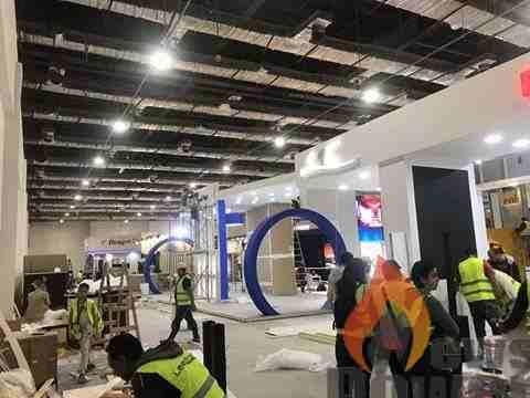 اجنحة الشركات العارضة بمؤتمر ومعرض ايجبس 2018 تستعد للافتتاح غدا .. وعزالرجال يتفقد الترتيبات