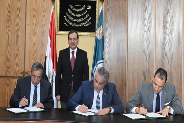 وزير البترول : توقيع عقد الاستشارات الهندسية لمجمع انتاج حامض الفوسفوريك بأبوطرطور بتكلفة 750 مليون دولار
