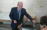 المهندس محمد السيد رئيس شركة القناة لتوزيع الكهرباء يدلى بصوته بلجنة المعهد الازهرى بالإسماعيلية