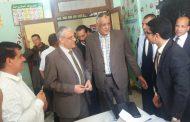 المهندس ابراهيم الشحات رئيس شركة كهرباء الوجه القبلى يتفقد سير اللجان الانتخابية بمدبنة الكريمات