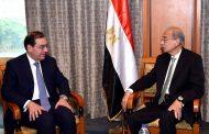 وزير البترول يستعرض امام رئيس الوزراء عدداً من المشروعات البترولية خلال الفترة الحالية