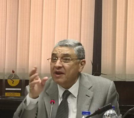 وزير الكهرباء يتابع مع المهندس حمدي عكاشة خطط التطوير فى شركة الإسكندرية لتوزيع الكهرباء ومستوى الخدمة المقدمة للجمهور