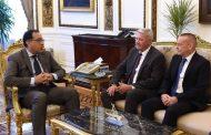 رئيس الوزراء يلتقى مسئولى شركة سوميتومو إليكتريتك اليابانية