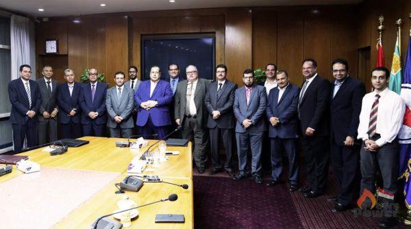 رئيس انبى يتسلم شهادة المجلس الوطنى للاعتماد من وزارة الصناعة تقديرا لاداء الشركة وفقا للمواصفة العالمية ISO 9001