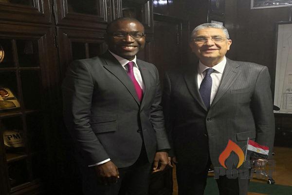 شاكر يلتقي نائب رئيس بنك التنمية الأفريقى للكهرباء .. أولوية لتنفيذ خطط الاحلال والتجديد لشبكات النقل والتوزيع ..أضافة 25 ألف ميجاوات بنهاية العام