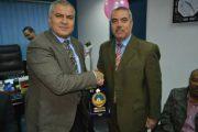 تكريم اللواء عبد الله خليل مدير عام الأمن بالعامرية للتكرير على دوره فى احتواء أزمة حريق مستودع النافتا بشركة الإسكندرية للبترول