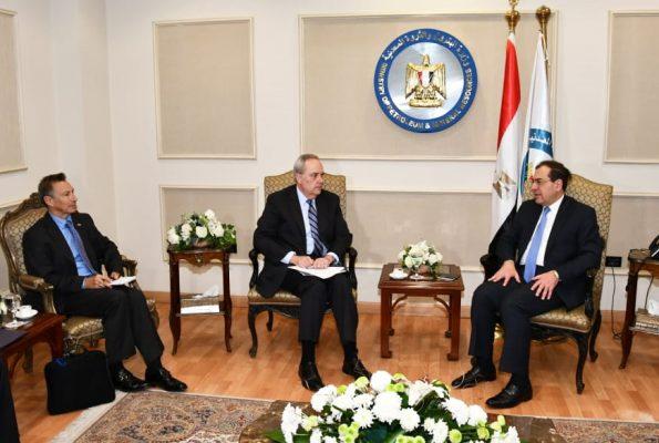 وزير البترول يبحث مع السفير الامريكي سبل زيادة استثمارات الشركات الامريكية في مصر