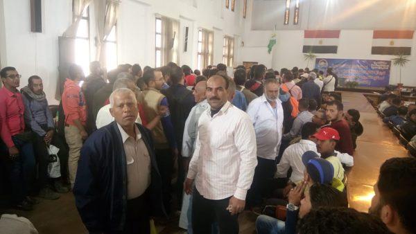 العاملون بمنطقة كهرباء مصر الوسطى يشاركون بفاعلية في الاستفتاء الدستوري