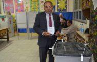 الكاتب الصحفى عادل البهنساوى رئيس تحرير موقع باور نيوز يدلى بصوته فى استفتاء التعديلات الدستورية
