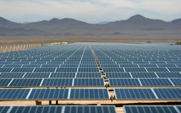 عمان والهند تبحثان تعزيز التعاون بمجالات الطاقة والتجارة والاستثمار