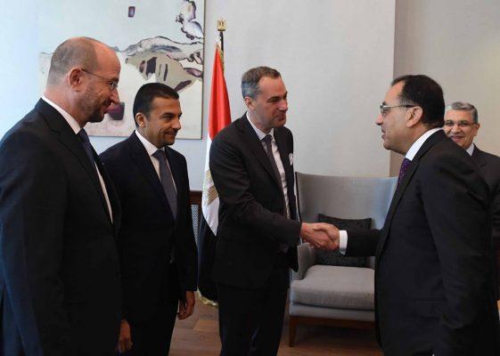 خلال زيارته ألمانيا .. رئيس الوزراء يلتقى مسئولي شركة