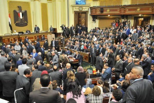 مجلس النواب يوافق على العلاوة والتعديلات الجديدة .. والمنحة تصرف من موازنة الشركات المعنية بالقانون