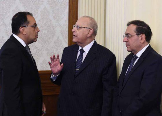 مجلس الوزراء يوافق علي تخصيص بعض الأراضي لإقامة محطات تدفيع وتخزين للمنتجات البترولية بالسويس
