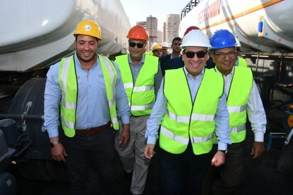 وزير البترول يطمئن ميدانيا على موقف الامدادات بعد زيارته لمستودع التعاون بالهايكستب ومصنع تعبئة البوتاجاز بالقطامية