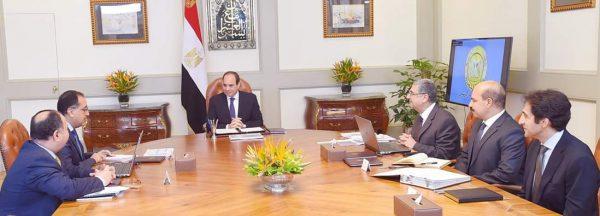 بحضور وزير الكهرباء .. الرئيس السيسى يوجه بالإسراع فى استكمال خطة الارتقاء بمنظومة الكهرباء وتحسين الخدمات المقدمة للمواطنين