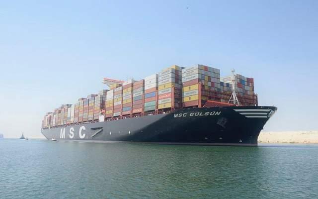 أكبر سفن الحاويات بالعالم تعبر قناة السويس لأول مرة
