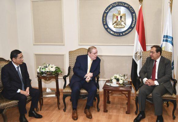 الملا يناقش مع رئيس الغرفة العربية الامريكية ورئيس شركة Jng الصينية التكنولوجيات الجديدة لحماية البيئة ومجال التكرير