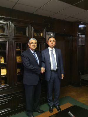 وزير الكهرباء يستقبل الرئيس الاقليمى للقطاع المؤسسى لـ