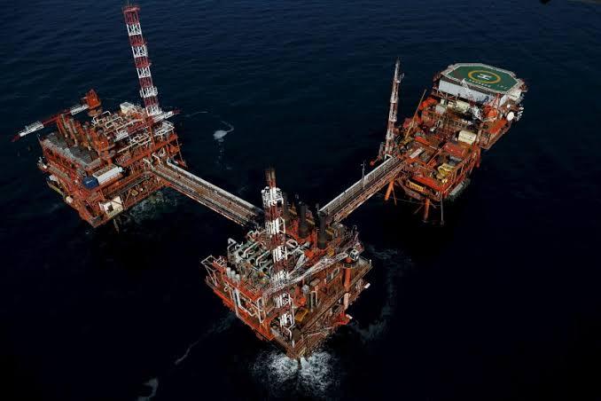 مصدر: الكويت تخفض أسعار بيع النفط الخام للمشترين الآسيويين في سبتمبر