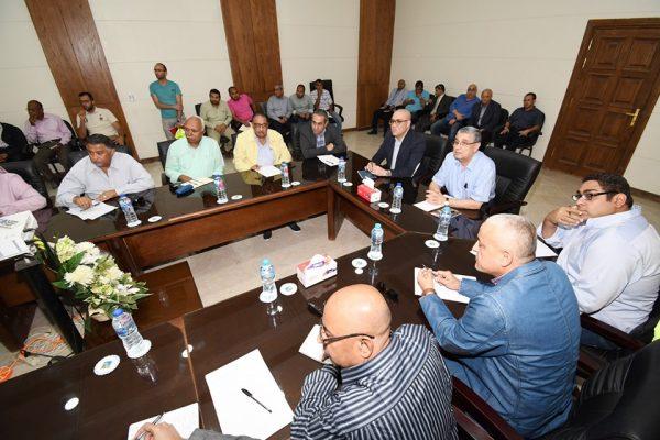 وزيرا الإسكان والكهرباء يتابعان تنفيذ شبكات الكهرباء بالمرحلة الأولى بالعاصمة الإدارية الجديدة