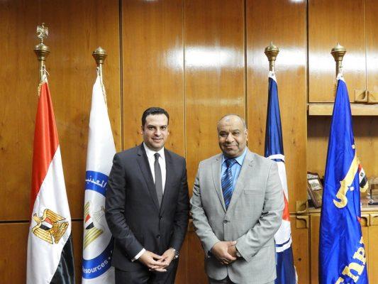 بهاء يهنئ نعمان ابن شركة انبي لتوليه منصب نائب محافظ بورسعيد