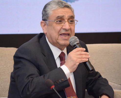 وزير الكهرباء يبحث الان مع رؤساء شركات توزيع الكهرباء قواعد تركيب العدادات الكودية بعد الغاء نظام الممارسات