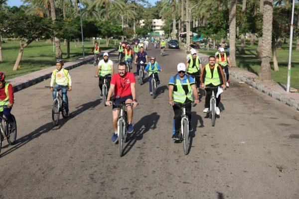 بالصور .. بتروجت تبدأ فعاليات اليوم الرياضى لركوب الدراجات للعاملين بمنطقة الاسكندرية