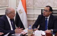 رئيس الوزراء يتابع مع وزير الإنتاج الحربي تنفيذ مشروع إنتاج الألواح الشمسية