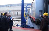 رئيس الوزراء يزور مصنع مهمات السكك الحديدية